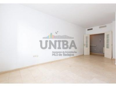 APARTAMENTO en venta BADAJOZ (CENTRO) 02077
